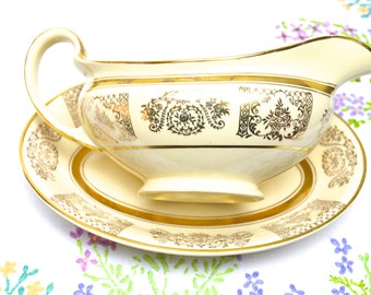gravy/sauce boat in cream and gold by johnson bros