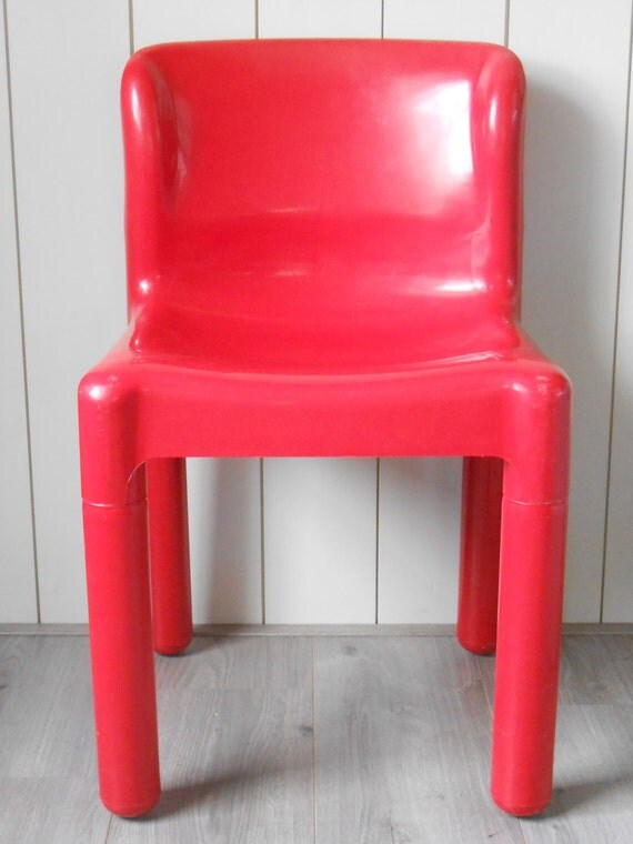 Vintage red plastic 1970s kartell chair model by for Kartell plastic chair
