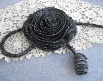 Felt flower brooch Black brooch Gift for mom Wool pin Felt brooch Black felt brooch Black flower brooch Rose brooch Felt flower pin Rose pin