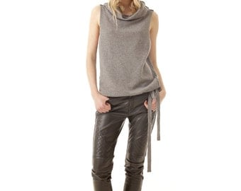 CLAIRE Knitted cashmere vest with cowl collar