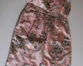 Pink brocade dress, vintage of the 20s from the noble family of Calabria