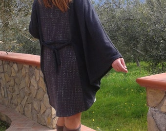 Cape in soft wool, Cape made of soft grey wool with two different shades.