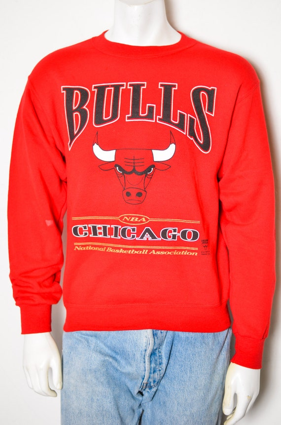 chicago bulls red print pullover sweatshirt. Black Bedroom Furniture Sets. Home Design Ideas