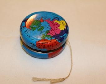 Vintage Metal Globe Yo-Yo