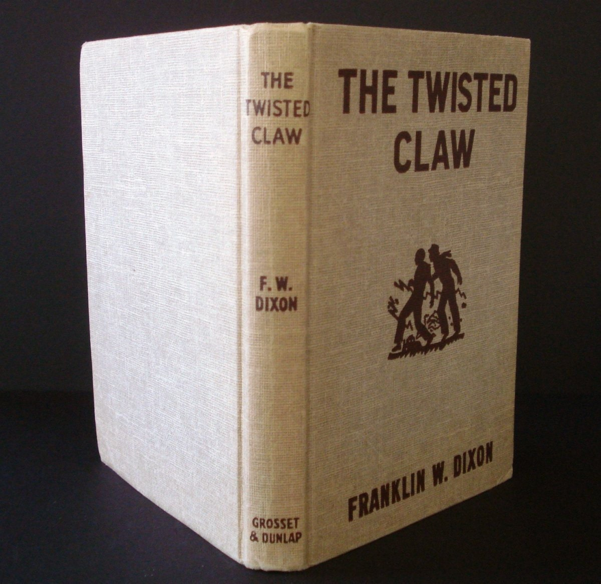 hardy boys the twisted claw A series of museum thefts launch the hardy boys on this baffling mystery rare collections of ancient pirate treasure are being stolen, so frank and joe are asked to.