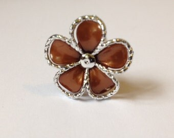 5 Brown Flowers On A Pin Embellishments Crafting
