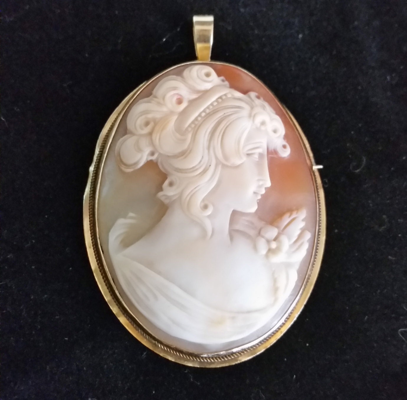Custom Cameo Resin Pins Diy: Vintage Hand Carved Cameo Pendant/Brooch By YanisBoutique