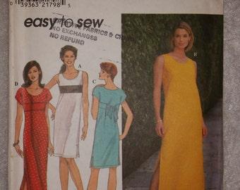 Simplicity 8204 Misses'/Petite Dress, Pullover Dress with Empire Waistline, Scoop Neckline, Side Slits, Biased Cut Bodice.  Size 10-12-14