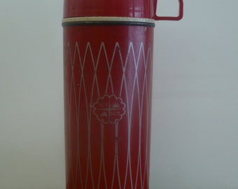 Red Diamond Pattern Thermos Bottle
