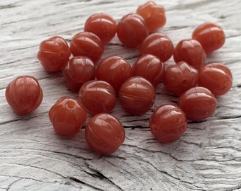 Glass beads, Czech glass melon beads milky caramel 8mm  pack of 20 (M110)