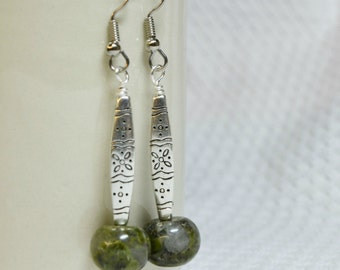 Exclamation Moss Earrings  / Green, Stone, Silver