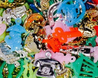 15pcs VINTAGE PLASTIC CHARMS Kitschy Goodness
