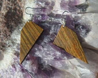Green Wood Earrings - Pointed Geometric Shape - Natural - Earthy - Funky Jewellery - Grain - Verawood - Organic Hippie Womens Jewlery