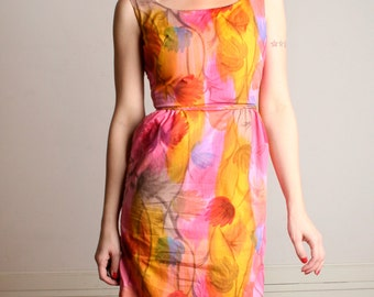 Vintage 1960s Wiggle Dress - Bright & Bold Floral Fitted Dress - Small Medium