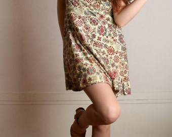 Vintage 1970s Mini Dress - Butter Yellow Ornate Floral Novelty Print Dress - Large XL