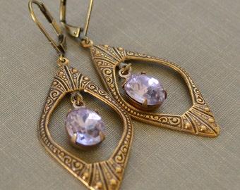 Amethyst Rhinestone Earrings, Art Deco Brass Earrings, Light Purple Rhinestone, Victorian Style, Bridesmaid Jewelry, Lapin du Printemps