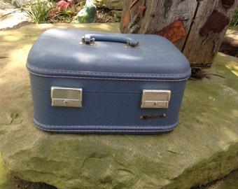 Vintage 1960's Era Small Blue Monarch Train Case/Overnight Suitcase