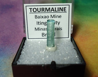 Rare CATSEYE TOURMALINE Bicolor Iridescent Green Top Quality Terminated Gemstone Crystal In Perky Display Box From Brazil