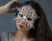 Snowflake leather mask in pearlescent white - Nutcracker - Frozen