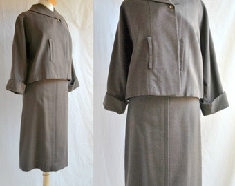 60s Swing Jacket and Midi Pencil Skirt Suit from the 1960s