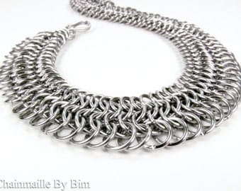 Flat Chainmaille Necklace - Fitted Roman Design