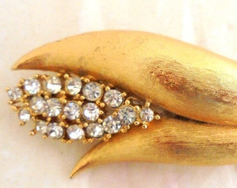Vintage Rhinestone Flower Bud Pin with Textured Gold Tone Setting