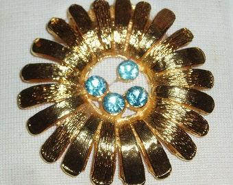 Golden Daisy Scarf Clip - Vintage 1980s