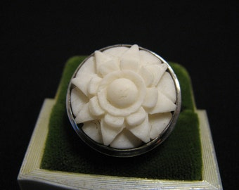 Vintage Sterling Silver and White Carved Bone Daisy Flower Ring