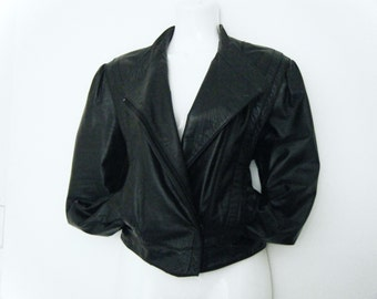 vintage 80s Wilsons CROPPED womens BIKER JACKET black leather motorcycle jacket, size l - xl