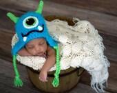Newborn Baby Monster Hat / Blue Fuzzy Monster Hat / Baby Monster Hat / Blue Monster Hat /  Blue Newborn Photo Prop / One Eye Monster Hat