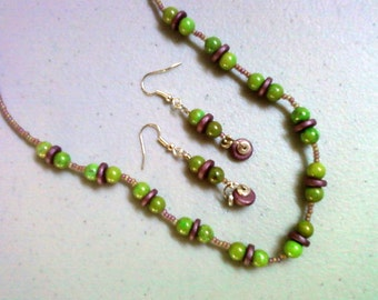 Green and Eggplant Necklace and earrings (0710)