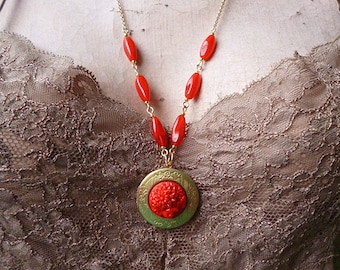 SALE // Red Mums // Vintage Brass Locket with Japanese Red Glass Flowers, Round Locket, 1940s Red Floral Cabachon, Vintage Glass, Gold Chain