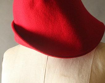 Vintage 90's Handmade Red Wool Cloche
