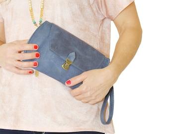 Leather wallet wristlets, blue leather purse,  clutch purse, Iphone leather purse, credit card leather Clutch Wallet, blue small leather bag