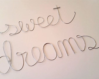SWEET DREAMS Wire Wrapped Sign - Wall Decoration, Baby Nursery Wall Decoration, Baby Shower Gift, Housewarming Party Gift, Bedroom Decor