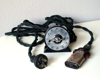 1940s Bakelite Timer, Vintage Fabric Covered Electrical Cord