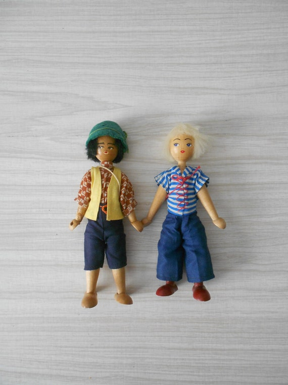 vintage folk art polish wooden dolls / blonde girl / boy / jointed peg
