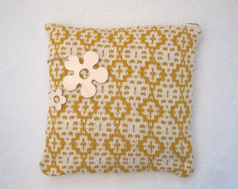 "Spring Yellow mosaic cotton cushion cover , hand knit mustard summer throw pillow , honey pot pattern - 18"" x 18"" with zip fastening"