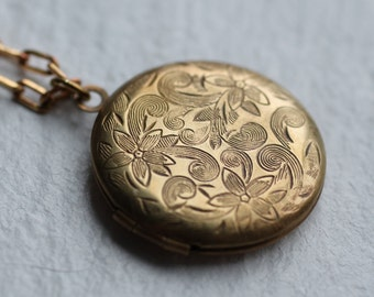 Floral Locket Necklace ... Round Locket Botanical Leaf Jewelry Vintage Gold Locket