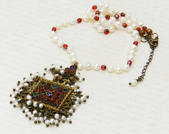 Vintage Kuchi Necklace with original glass gems and newly added freshwater pearls OOAK hand-knotted pearl necklace