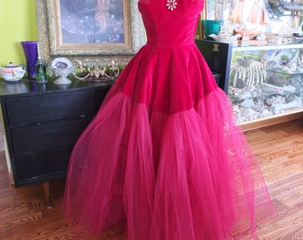 Ruby Red Velvet tulle evening red wedding dress 1950s vintage evening prom gown