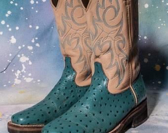Women's Square Toe COWBOY Boot Size 7 .5  DURANGO