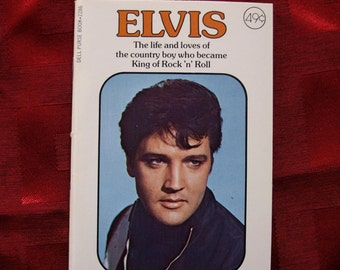 Elvis Presley 1977 Dell Purse Book 1935 to 1977 Over 40 Photos No 2286-49 Rock n Roll Pop Rockabilly The King Icon Idol Singer