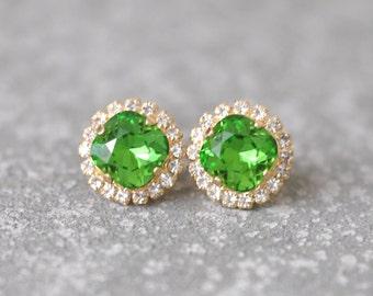 Kelly Green Earrings Swarovski Crystal Rhienstone Studs Rhinestone Shamrock Bright Green Diamond Pendant Necklace Mashugana