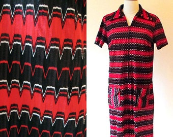 Vintage Striped 70s Dress, Polyester Shift Dress, Red and Black Stripey Zip Front Dress
