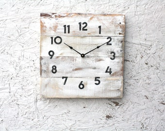 Shabby Chic, cottage chic, lake house style pallet wood clock.  Reclaimed wood wall clock.