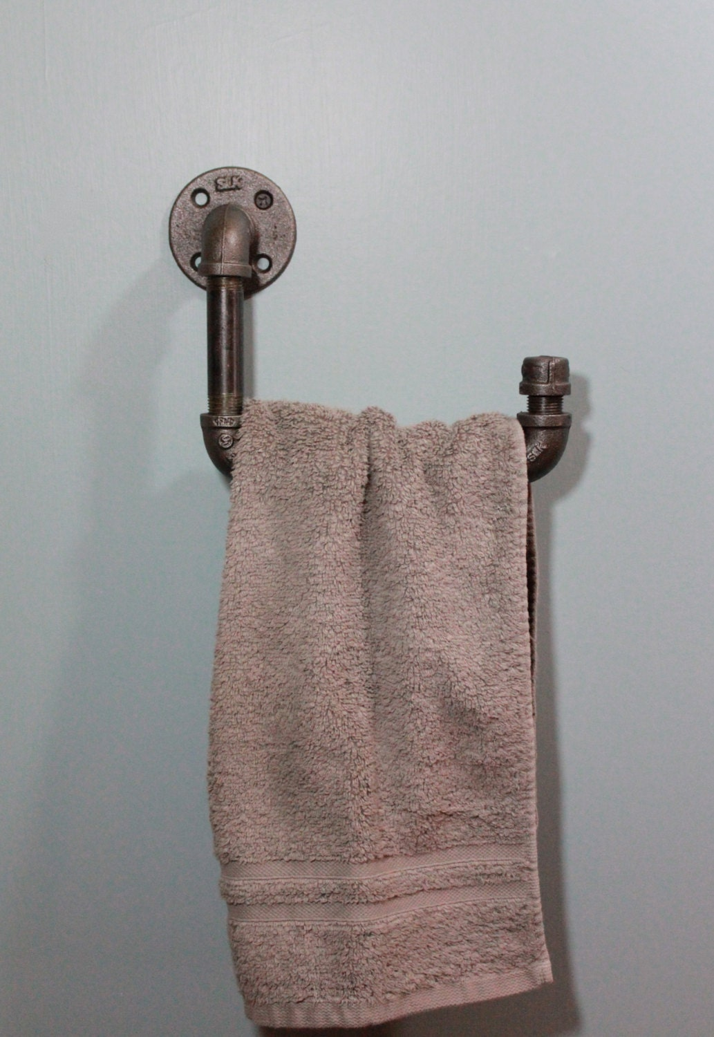 Industrial Iron Or Galvanized Pipe Hand Towel Holder