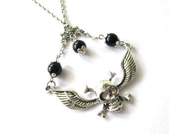 Winged skull pendant necklace jewelry with black onyx stone beads steampunk goth style antiqued silver charm