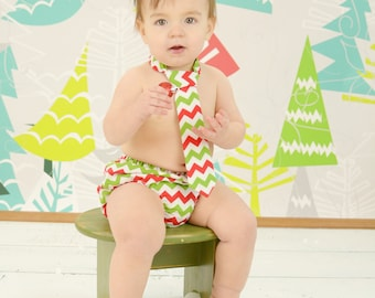 Christmas Chevron Diaper Cover and Tie Set Birthday Cake Smash Newborn Photo Prop Baby Boy Little Man Holiday Red Green Chevron White Modern