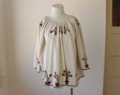 Vintage Embroidered TUNIC / Women's Vintage Bohemian Blouse / Brown and Cream Floral Top